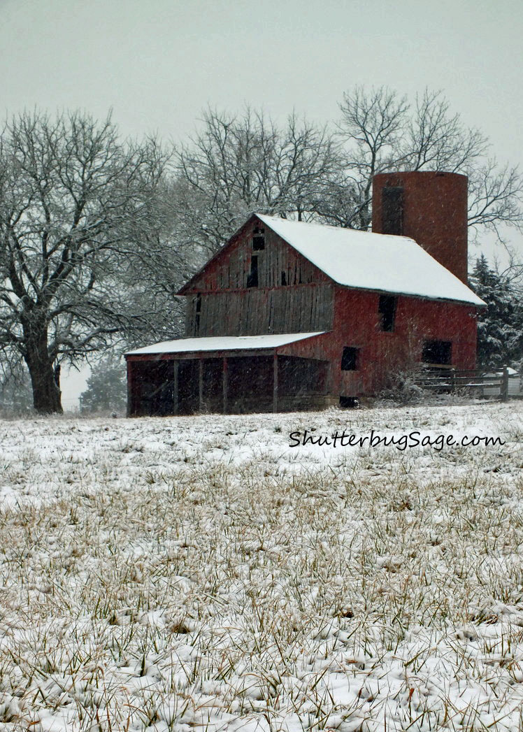 Barn by Lake Lenexa in Snow_edited-1