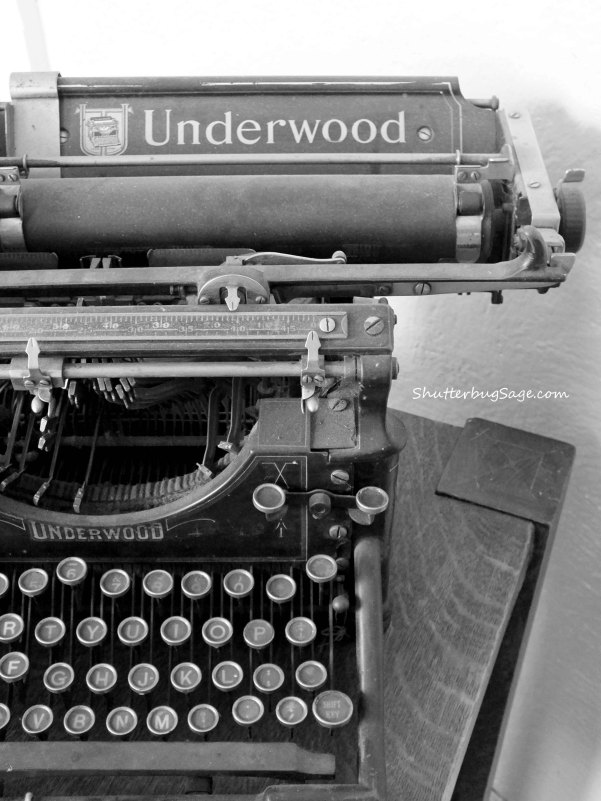 Old Typewriter B and W copy 2